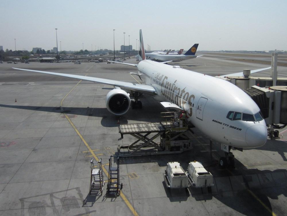 emirates-777-300