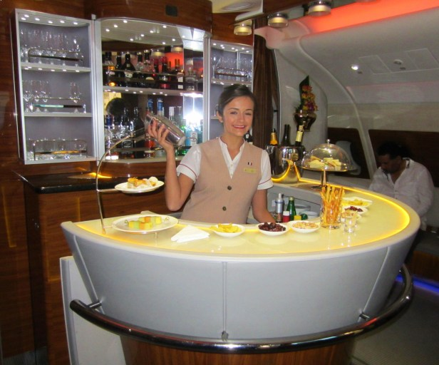 emirates-a380-business-bar-2