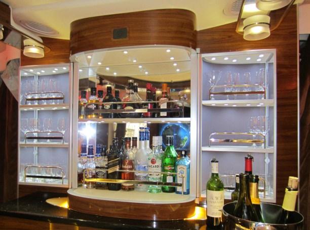 emirates-a380-business-bar-3