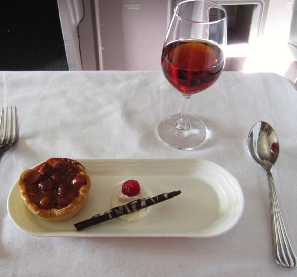 emirates-a380-business-macadamia-nut-tart