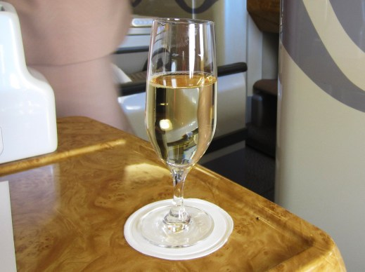 emirates-a380-business-veuve-clicquot