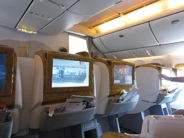 emirates-business-777-300