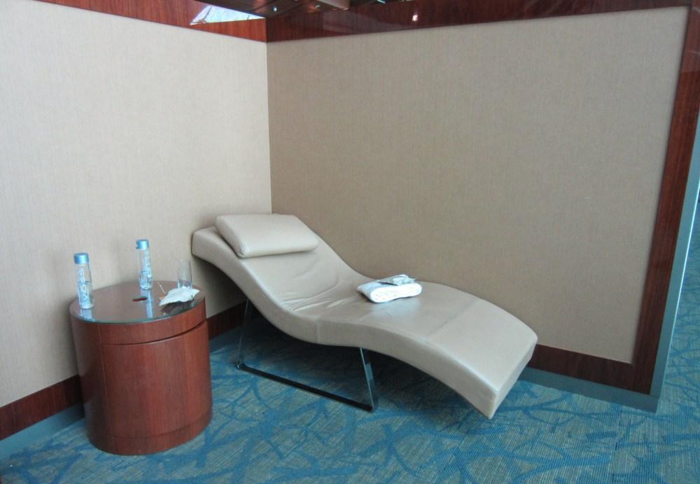 emirates-business-lounge-dubai-sleeping-area