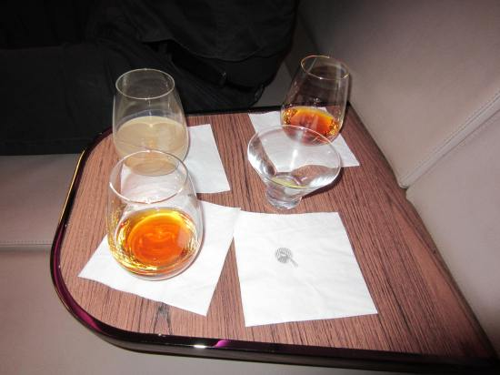 Qatar a380 bar table