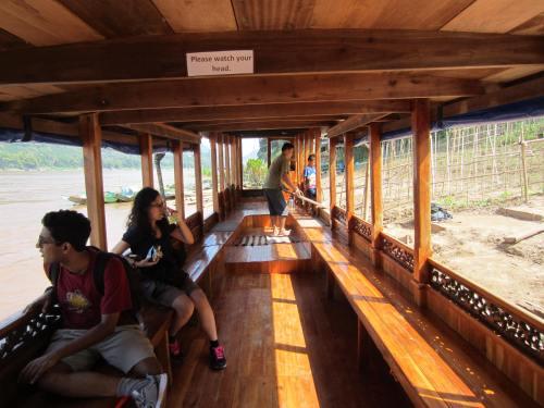 Pha Tad Ke Botanical Garden boat