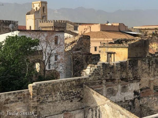 interior_courtyard_palermo_sicily